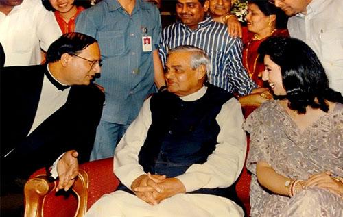 Rajat-sharma-with-atal-bihari-vajpeyi