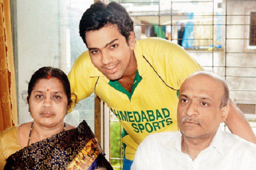Rohit-Sharma-Family-Background-Photos-Father-And-Mother-Wife